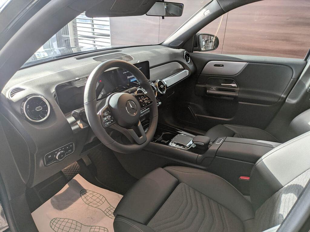 Интерьер Mercedes-Benz GLB