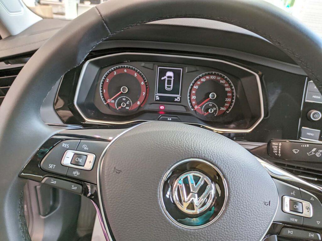 Приборная панель Volkswagen Jetta 2020