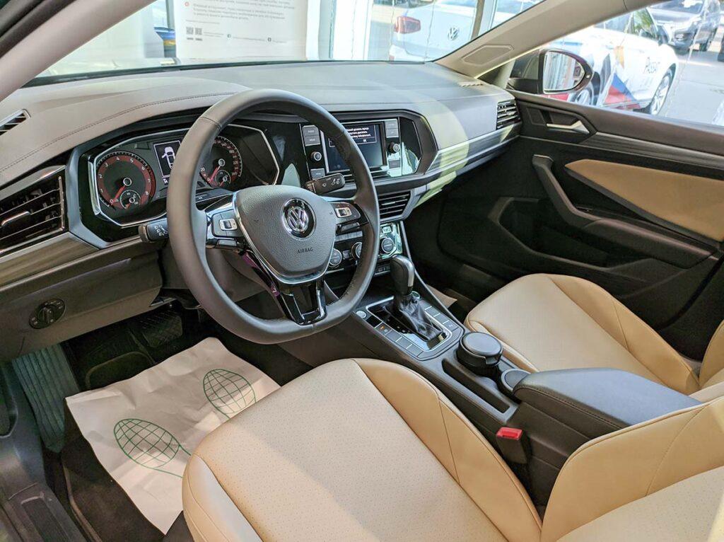 Салон Volkswagen Jetta 2020